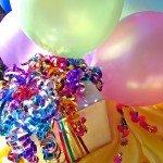 foedselsdagsgave-og-balloner