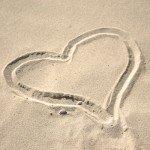 hjerte-paa-strand