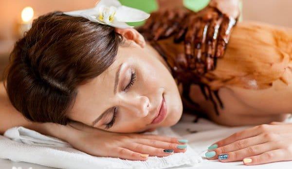 Chokolade massage er den perfekte fødselsdagsgave til hende
